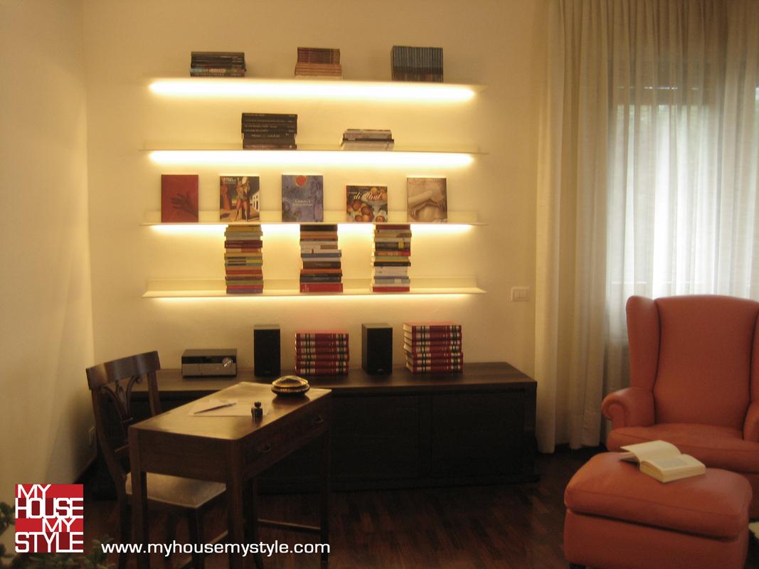 abitazione a Varese: il soggiorno e lo scrittoio